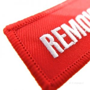 Remove before flight detail tessuto